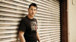 "Jonathan Knight Says ""I'm Gay"""
