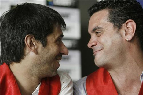 gay couple argentina