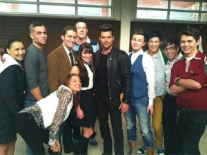 Ricky Martin And The Cast Of Glee