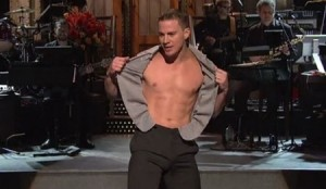 Channing Tatum Rips Off His Shirt During 'SNL' Monologue