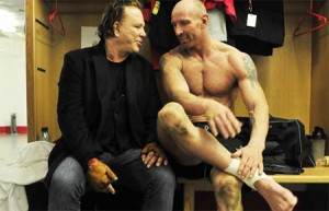 Rugby star Gareth Thomas denies reports that Mickey Rouke had pulled out his biopic