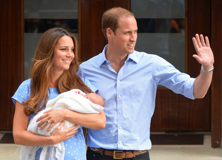 Prince-William-and-Catherine-Duchess-of-Cambridge-show-their-new-born-baby-boy.