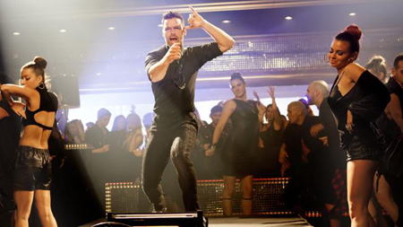 Ricky Martin Debuts Come With Me Video
