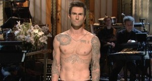 Shirtless-Adam-Levine