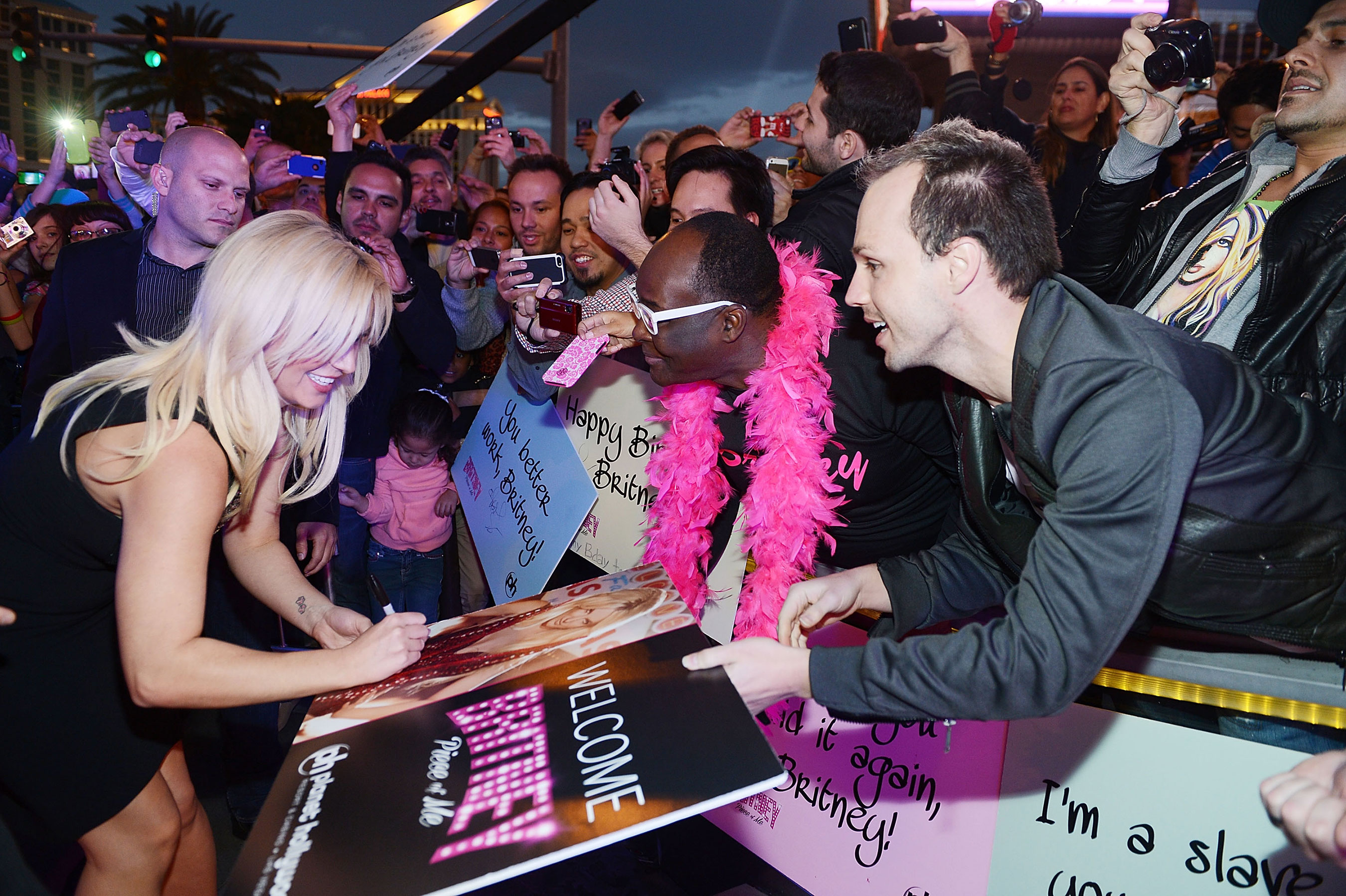 Britney spears celebrates official arrival to las vegas with britney spears celebrates official arrival to las vegas with elaborate welcome event at planet hollywood resort casino queer me up m4hsunfo