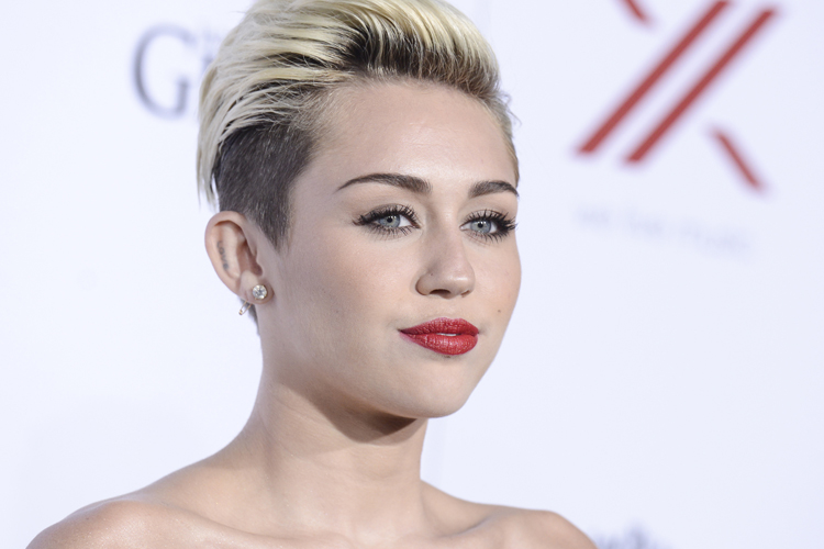 miley-cyrus-supports-gay-marriage