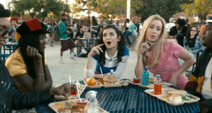 IGGY AZALEA PREMIERES 'FANCY' VIDEO FT. CHARLI XCX