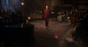 "Annie Lennox releases live performance video of ""Georgia On My Mind"""