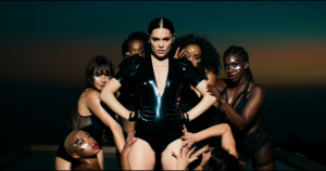 "Jessie J releases new video for ""Burnin' Up Feat. 2 Chainz""‏"