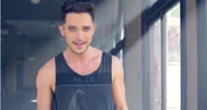 Singer-songwriter Eli Lieb releases 'Lightning In A Bottle' video