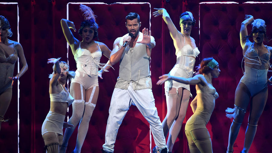 Ricky Martin performs at the Latin Grammy 2014  (1)