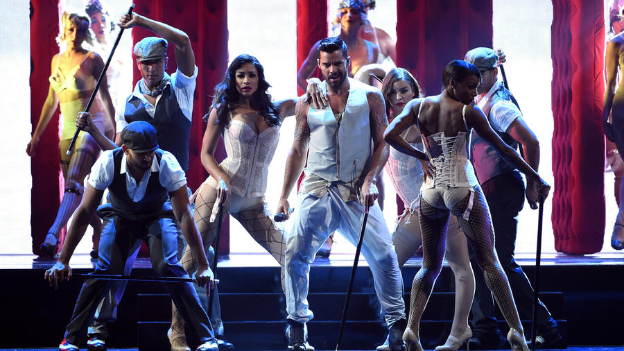 Ricky Martin performs at the Latin Grammy 2014  (2)