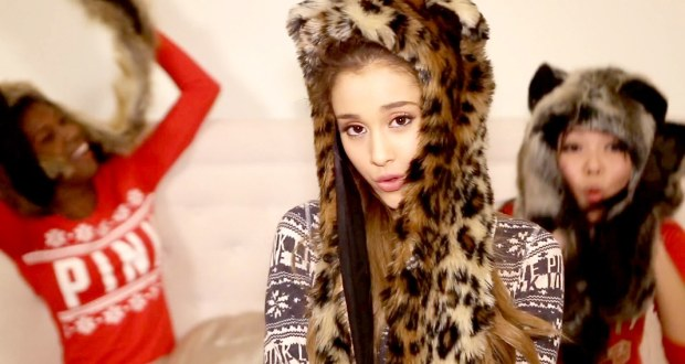 Ariana Grande unveils 'Santa Tell Me' video