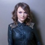 Abi Ann To Join Kelly Clarkson On Piece By Piece Tour