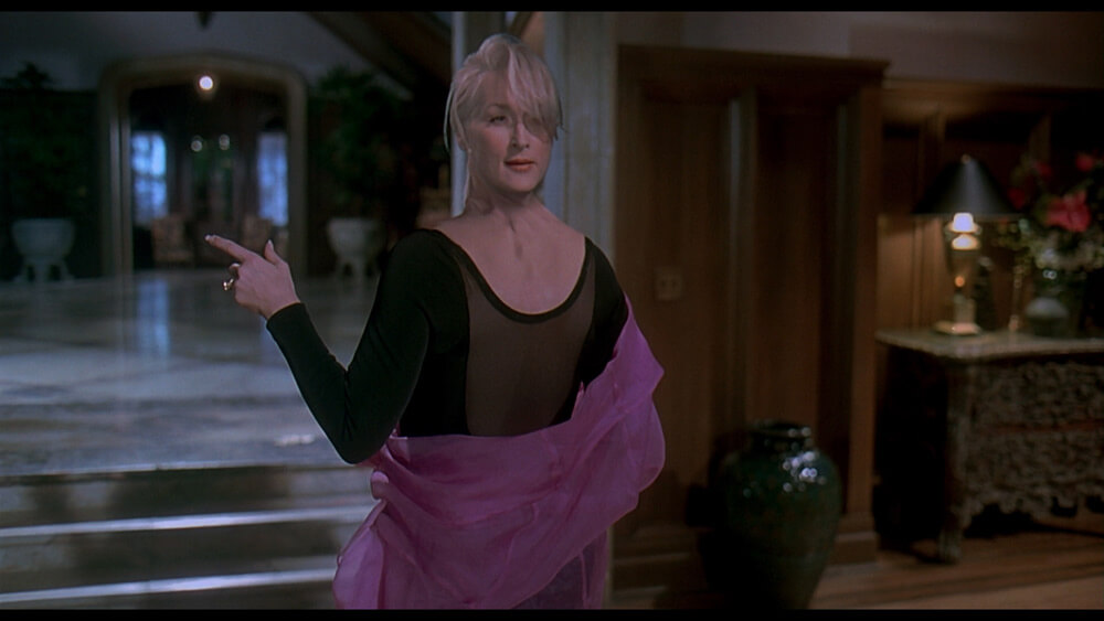 Death-Becomes-Her-still-22