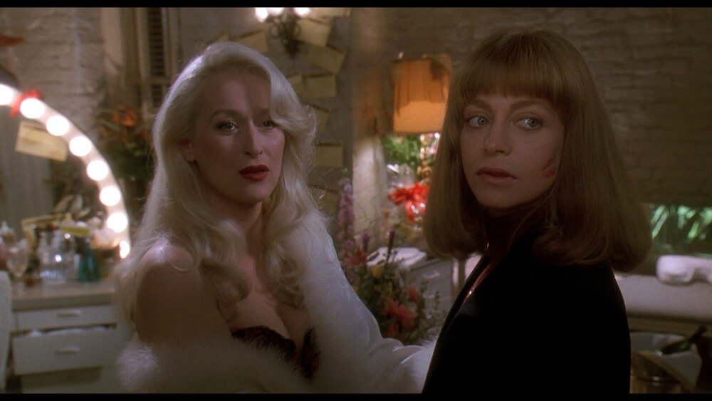 Death-Becomes-Her-still-3