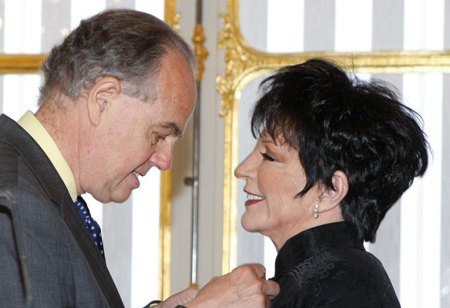 Liza Minnelli and  Frederic Mitterrand 2front